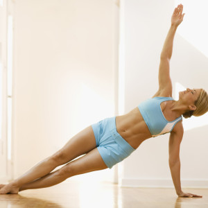 Sideplank_Can-Pilates-Make-Muscles-Longer-Leaner_popsugar.comimage